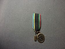 Sportabzeichen DOSB in bronze, Miniaturschnalle 16mm an langer Nadel, Neu