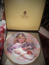 WEDGWOOD Queens Ware Display Plaque Limited Edition Mary Vickers récoltera Boxed