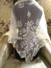 Un exquisito Antiguo irlandés Limerick de Persiana Bridal Mantilla en tul c.1880