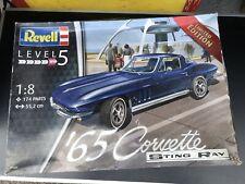 Kit à monter Revell 1965 Corvette Sting Ray 1/8