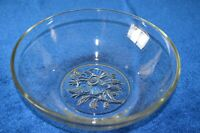Vintage Serving/Fruit Bowl Large Clear Glass Cut Glass Flower on the Bottom