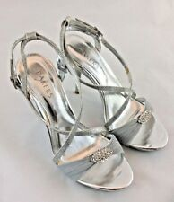 BAKERS ELEGANT SILVER HEELS SIZE 7.5M FABRIC RHINESTONE TOE ANKLE STRAP