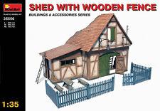 MIN35556 - Miniart 1 :3 5-Cobertizo de madera valla