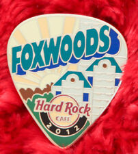 Hard Rock Cafe Pin FOXWOODS Postcard GUITAR PICK Serie SUN BURST facade building