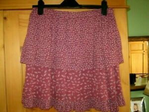 NEXT - Tiered Skirt Knee Length - Rose Ditsy - Worn Once -14 - Great with Boots!