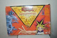 JEU YU GI OH MILLENNIUM  AVEC 4 FIGURINES  GAME BOARD FIGURE 3 D