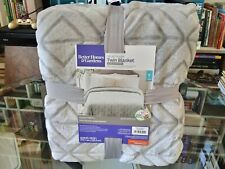 Better Homes & Gardens Velvet Plush Twin Blanket Silver Geo Diamond 68X90 inches