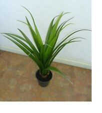 Artificial plants & flowers Yucca Fountain 65cm in plastic pot P78A