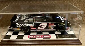 NASCAR DALE EARNHARDT #3 GM GOODWRENCH 1:18 2001 MONTE CARLO Diecast