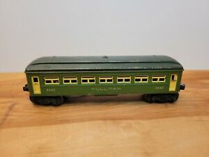 46 - 47 Lionel Post War 2440 Green PULLMAN Car with SILVER LETTERING