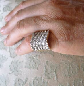 Vintage 14 k round and baguette 2.50 ct diamond ring