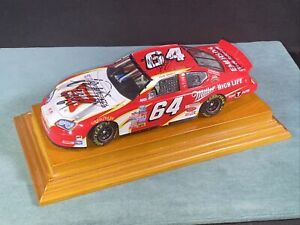 2005 SIGNED Rusty Wallace 1/24 Scale Action Race Car 3 SIGNATURES in Case