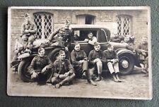 CPA. Carte Postale Photographique. Militaires. Belle Automobile Ancienne. Plumet
