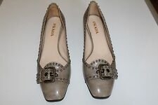 PRADA CLASSIC SMALL HEEL SHOES. Size 39. Made in Italy.