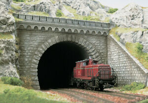 Double track tunnel portal with stone walls (2) OO/HO gauge Busch 7023