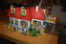 Playmobil Einfamilienhaus mit Einrichtung und mehr