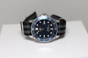 Omega Seamaster Pro 300M 2541.80 Full Size 41mm Blue Dial Bond Quartz Mens Watch
