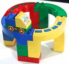 LEGO DUPLO 2284 CLOWN GO ROUND IN MONORAIL IN LEGO CAR 26PIECES
