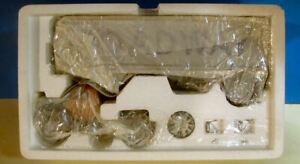 "FIRST GEAR 1/34 ""ROADWAY EXPRESS"" B MACK CAB TRACTOR TRAILER 10-1211 BRAND NEW"