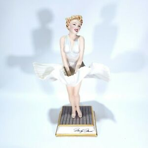 """MARILYN MONROE LIMITED EDITION FINE PORCELAIN FIGURINE """"THE SEVEN YEAR ITCH"""""""