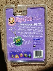 Giga pet Microchimp