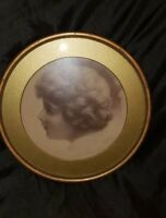 ANTIQUE PHOTOGRAPH YOUNG GIRL GOLD ROUND FRAME