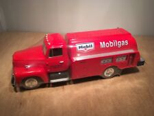MOBIL 1957 INTERNATIONAL R-190 TANKER DIE CAST REPLICA by FIRST GEAR 1:34 SCALE