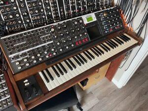 Moog MiniMoog Voyager XL - Massive Sounding Synth