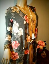 NWT Lularoe 🌹 Gray Sarah Pink Roses 🌹 Grey Floral Cashmere Soft Unicorn Sz S