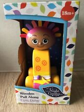 New In The Night Garden Traditional Wooden Pull Along Upsy Daisy  Boxed Gift