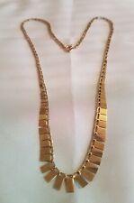Un hermoso collar de oro 9ct Estilo Cleopatra