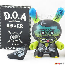 Kidrobot Dunny Art of War 2014 I Love Dust D.O.A. vinyl 3-inch chase figure box