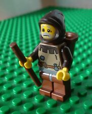 Lego Castle: Peasant Man (Knights Minifig Market) 10193