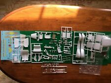 Revell #85-4228 1/25 '32 Ford 5 Window Coupe '2n1 Parts Body Interior Decals