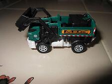 MATCHBOX 2013 Garbage truck Gulper Sanitation Waste NEW