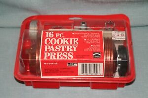 VINTAGE MIRRO MADE IN USA 16 PIECE COOKIE PASTRY PRESS NEW IN BOX NEW OLD STOCK