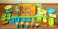 Fisher Price Vintage Little People Play Family Play Rooms #909 Complete