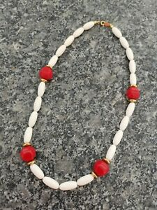 Trifari Signed Vintage White Red And Gold Beaded Necklace
