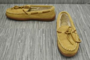 **Minnetonka Pile Lined Hardsole Slippers, Women's Size 7, Tan