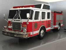 Corgi 54702 E-One Side Mount Fire Truck - Fort Monroe FD 1:50 NIB * VERY RARE! *