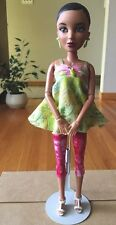 Liv Doll Beautiful Brown Hair.Green Eye Doll.Spin Master 2009.Earrings,Wig,Stand