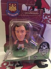 SOCCERSTARZ WEST HAM UNITED MARK NOBLE GREEN BASE SEALED IN BLISTER PACK
