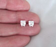 Sterling Silver 7mm pig front post stud earrings.