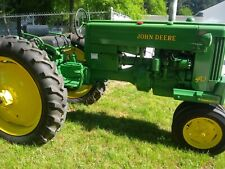1953 John Deere 40 tractor. Antique 3 point hitch