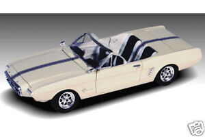 lindburg 72169 1/25 1963 Ford Mustang II Car model kit new in the box