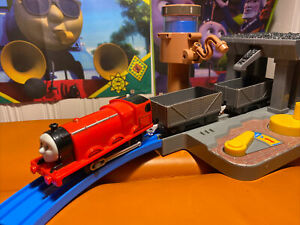 TRACKMASTER THOMAS TRAINS FRIENDS James And 2 Trucks 2013
