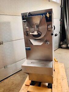 Carpigiani Eismaschine Labo 12/18 E für  Eis Speiseeismaschine Eiscafé Bis 30kg