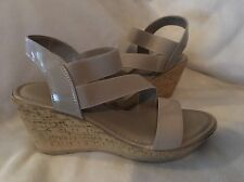 Easy Street Piceno Wedge Sandals Taupe 9 W new