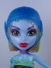 Monster High MH SKRM Abbey Bominable Skulltimate Roller Maze Dressed Doll