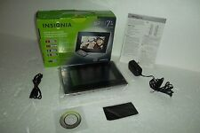 """INSIGNIA 7"""" LCD Digital Photo Frame 2GB 16:9 800x480 JPEG SD MMC NS-DPF7G NEW"""